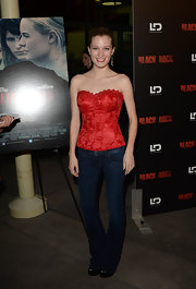 A pair of classic straight-leg jeans topped of Ashley Hinshaw's look at the screening of 'Black Rock.'