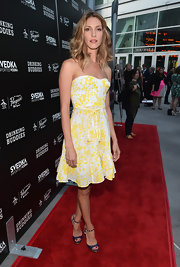 Dawn Olivieri's white-and-yellow printed frock brought a pretty summery vibe to the red carpet.