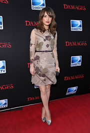 Rose Byrne dazzled at the premiere of 'Damages' in soft gray leather Nikko II pumps with ultra-shiny silver accents.