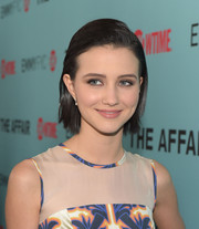 Julia Goldani Telles went for low-key styling with this slicked-back bob at the screening of 'The Affair.'