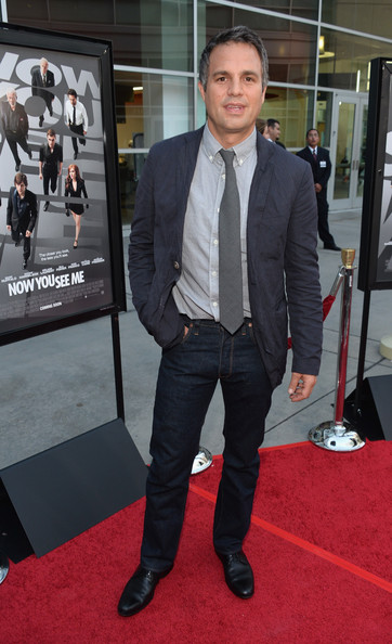 Mark Ruffalo kept his red carpet look classy and stylish with a pair of straight-leg jeans.
