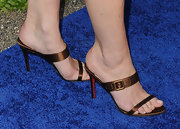Diane Lane wore a lovely bronze sandal to the SeaChange summer benefit. She complemented the sexy shoes with a pale polish pedicure.