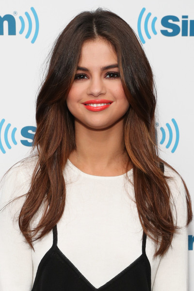 Selena Gomez Bright Lipstick [the morning mash up,hair,beauty,human hair color,hairstyle,fashion model,long hair,chin,brown hair,shoulder,layered hair,selena gomez,channel,new york city,siriusxm hits 1,siriusxm studios,celebrity session]