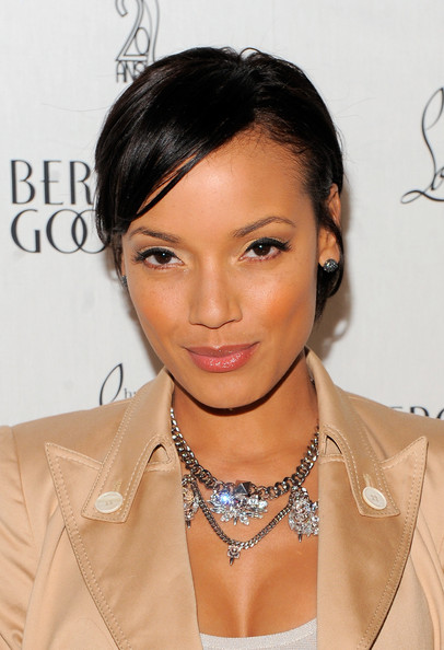 Selita Ebanks Short Cut With Bangs