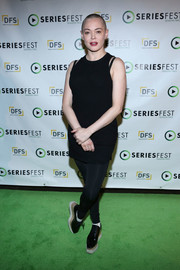 Rose McGowan teamed her top with black leggings.
