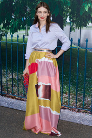 Roksanda Ilincic dolled up her shirt with a chic color-block maxi skirt.