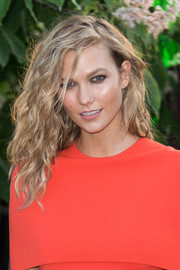 Karlie Kloss rocked wild waves at the Serpentine Gallery Summer Party.