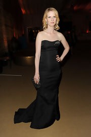 Cynthia Nixon got all dolled up for the Sex and the City 2 premiere. She looked dazzling in her strapless black gown.