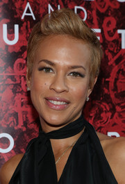 Tonya Lewis Lee looked cool at the 'Romeo and Juliet' Broadway opening with her fun fauxhawk.