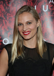 Vinessa Shaw opted for simple styling with this straight side-parted 'do when she attended the Broadway opening of 'Shakespeare's Romeo and Juliet.'