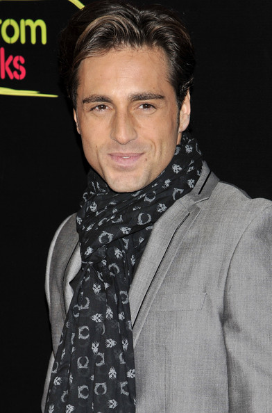 More Pics of David Bustamante Patterned Scarf (4 of 5) - David Bustamante Lookbook - StyleBistro