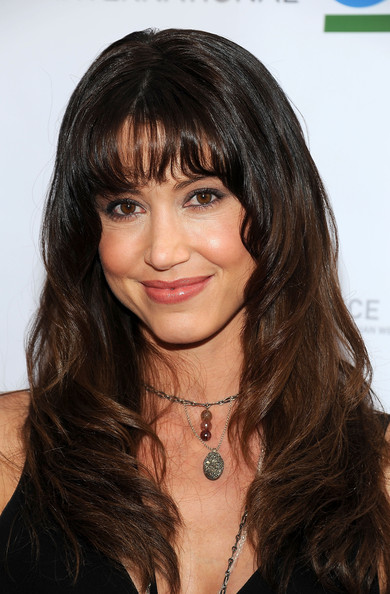 Shannon Elizabeth Long Wavy Cut with Bangs