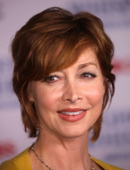Sharon Lawrence Short Cut With Bangs []