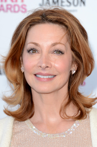 Sharon Lawrence Medium Layered Cut