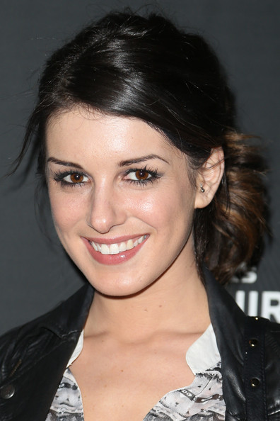 Shenae Grimes Ponytail [hair,face,eyebrow,hairstyle,chin,lip,black hair,beauty,forehead,smile,shenae grimes,beck,beverly hills,california,sapphire,sapphire launch event,launch event]