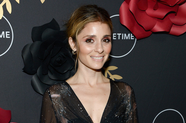 Shiri Appleby Messy Updo