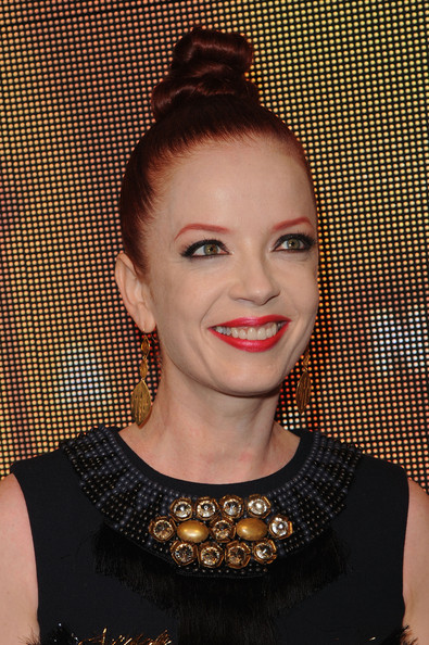 Shirley Manson Twisted Bun