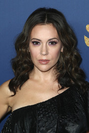 Alyssa Milano was gorgeously coiffed with this curly 'do at the Showtime Emmy nominees celebration.