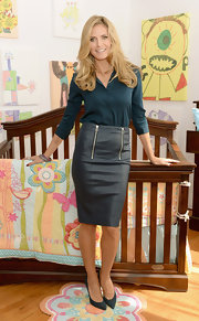 Heidi sported a deep teal button down while attending the Shutterfly by Design in NYC.