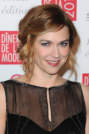 Marie-Josee Croze left a few loose spiral curls to add even more softness to her romantic look at the 2012 Sidaction Gala Dinner.