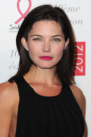 Delphine Cheneac wore a striking shade of hot pink lipstick at the 2012 Sidaction Gala Dinner.