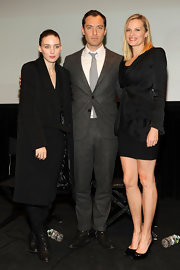 "Jude Law was all work in this classic gray suit at the ""Side Effects"" preview screening."