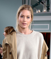Doutzen Kroes pulled her hair back into a loose, messy ponytail for the Sies Marjan fashion show.