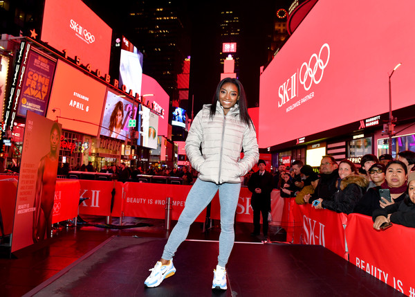 Simone Biles Puffa Jacket [red,red carpet,carpet,coca-cola,cola,event,carbonated soft drinks,flooring,soft drink,coca,sk-ii,simone biles take over times square,simone biles,vs series launch for beauty is nocompetition,\u0153vs\u00e2,times square,duffy square,new york city,series launch,simone biles,houston,soft drink,dog,city,fashion,manhattan,olympic games,carbonation,olympic champion]