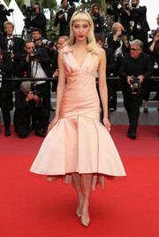 Soo Joo Park looked sweet and glam in a pink trumpet cocktail dress by Chanel Couture at the Cannes Film Festival screening of 'Sink or Swim.'