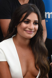 Lea Michele looked oh-so-lovely with her flowing waves while attending SiriusXM's broadcasts from Comic-Con.