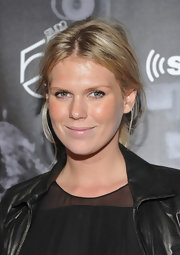 Alexandra Richards kept her makeup look super simple with a little bronzer and just a touch of lip gloss at the One Night Only event at Studio 54.