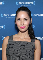 Olivia Munn kept it casual with this ponytail while visiting SiriusXM at Super Bowl 50 Radio Row.