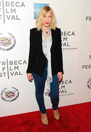 Natasha Bedingfield's sleek blazer added the perfect sophistication to her laid-back ensemble.