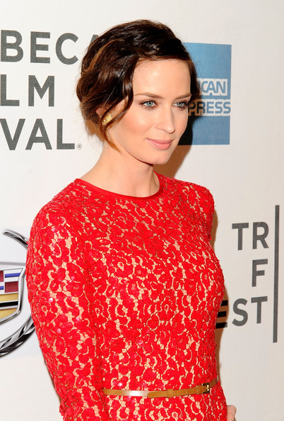 More Pics of Emily Blunt Bobby Pinned updo (1 of 16) - Emily Blunt Lookbook - StyleBistro