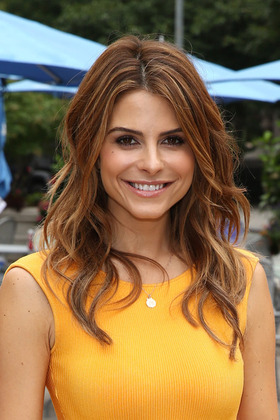 More Pics of Maria Menounos Long Wavy Cut (1 of 16) - Long Wavy Cut Lookbook - StyleBistro
