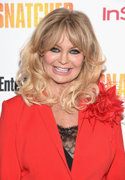 Goldie Hawn framed her face with bouncy curls for the New York premiere of 'Snatched.'