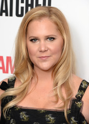 Amy Schumer looked sweet with her loose waves at the special screening of 'Snatched.'