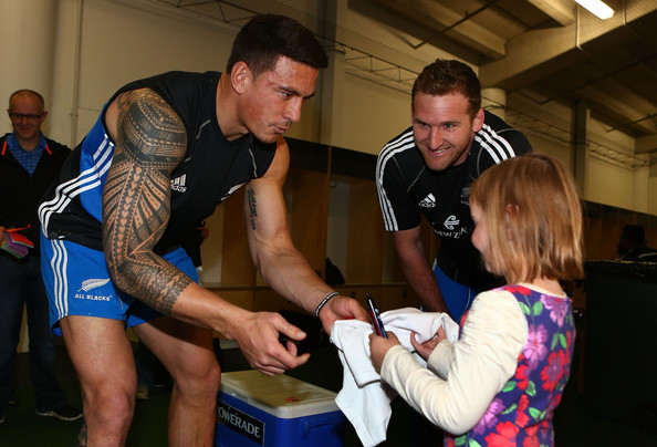 Sonny Bill Williams SleeveTattoo [recreation,cancer sufferers,sonny bill williams,captain,blacks captains run,support,autograph,red nose appeal,eden park,all blacks,run]
