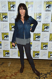 Brown ankle boots completed Katey Sagal's comfy get-up.