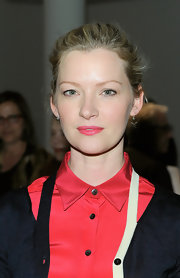 Gretchen Mol wore a pretty watermelon pink lipstick at the Sophie Theallet fall 2012 fashion show.