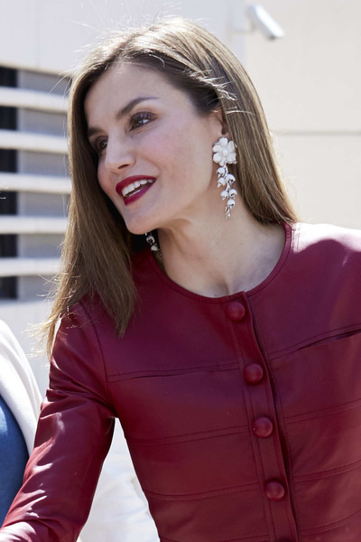 More Pics of Queen Letizia of Spain Leather Clutch (3 of 11) - Queen Letizia of Spain Lookbook - StyleBistro