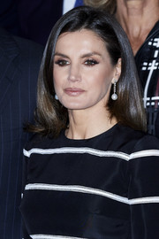 Queen Letizia of Spain showed off a lustrous lob at the closure of World Law Congress.