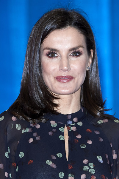 Queen Letizia of Spain was stylishly coiffed with this mid-length layered cut at the inauguration of FITUR International Tourism Fair 2020.