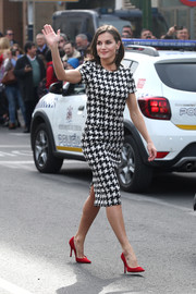 Queen Letizia of Spain wore a classic houndstooth top by Hugo Boss at the Bellas Arters Golden Medal Awards.