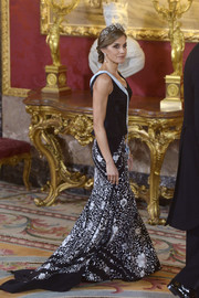 Queen Letizia of Spain paired a floral-embroidered mermaid skirt with a black corset top, both by Lorenzo Caprile, for total glamour at the official dinner for the Israeli President.