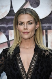 Rachael Taylor looked trendy with her sleek ombre tresses at the special screening of 'Jessica Jones' season 3.