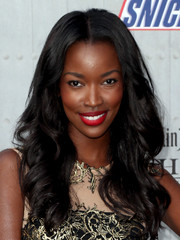 Tia Shipman attended Spike TV's Guys Choice 2014 sporting gorgeous, lush waves.