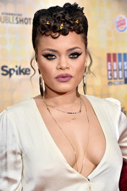 Andra Day finished off her look with her signature cat eye.
