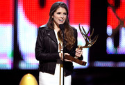 Anna Kendrick was edgy-chic in a black leather biker jacket while accepting an award during Spike TV's Guys Choice 2016.