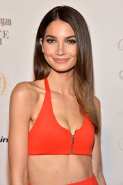 Lily Aldridge wore her hair down in soft straight layers during the Club SI Swimsuit bash.